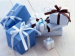 320_birthday_Wallpapers_eight_gift_boxes